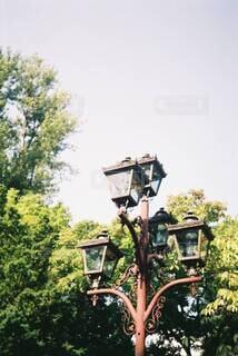 大きな街灯の写真・画像素材[3702972]