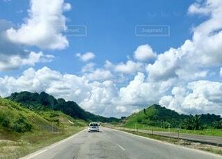 道路の側面の眺めの写真・画像素材[3791596]