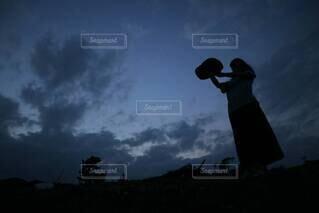 麦わら帽子とお空との写真・画像素材[3714952]