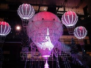 ピンク,気球,イルミネーション,クリスマス,明るい,グランフロント大阪,クリスマス ツリー,グランフロントクリスマス,メインクリスマスツリー,世界を繋ぐ希望の旅