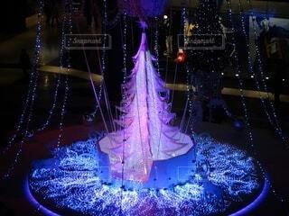 幻想的,クリスマス,照明,明るい,クリスマスツリー,点灯,グランフロント大阪,クリスマス ツリー,グランフロントクリスマス