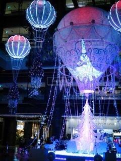 幻想的,クリスマス,装飾,明るい,クリスマスツリー,グランフロント大阪,グランフロントクリスマス,メインクリスマスツリー,世界を繋ぐ希望の旅