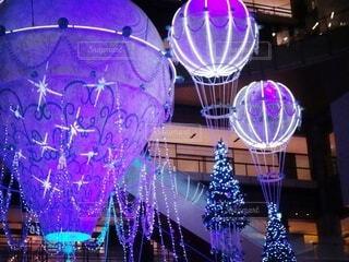 屋内,幻想的,クリスマス,照明,装飾,明るい,クリスマスツリー,グランフロント大阪,クリスマス ツリー,グランフロントクリスマス,メインクリスマスツリー,世界を繋ぐ希望の旅