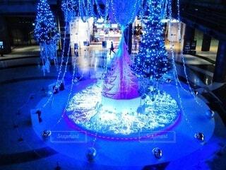 青,幻想的,気球,美しい,クリスマス,紫色,グランフロント大阪,クリスマス ツリー,グランフロントクリスマス,メインクリスマスツリー