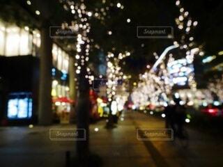 建物,夜,屋外,イルミネーション,クリスマス,明るい,玉ボケ,通り,グランフロント大阪,シャンパンゴールド,グランフロントクリスマス