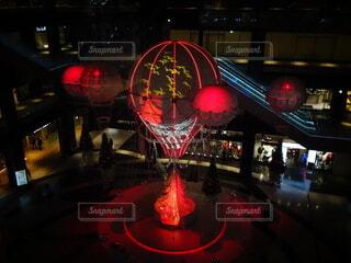 赤,気球,装飾,明るい,電飾,グランフロント大阪,シャンパンゴールド,グランフロントクリスマス,メインクリスマスツリー