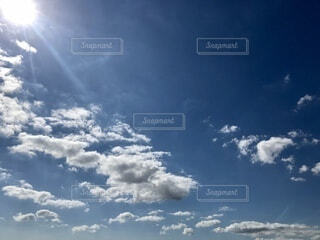 もう秋の空の写真・画像素材[3790478]