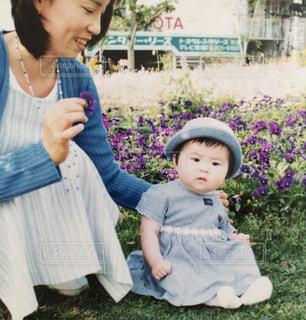 公園,花畑,お座り,赤ちゃん,お散歩,子育て,ママと子供