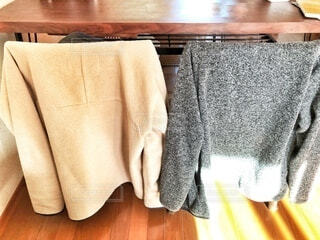 部屋着の秋冬物、寒い日にさっと着れる上着を準備の写真・画像素材[3839998]
