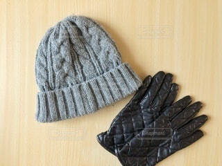 ニット帽と手袋の写真・画像素材[4045412]