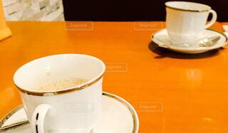 食べ物,カフェ,コーヒー,屋内,テーブル,スプーン,茶碗,皿,リラックス,マグカップ,食器,カップ,エスプレッソ,紅茶,おうちカフェ,ドリンク,おうち,ライフスタイル,調理器具,カフェイン,大皿,飲料,土器,ボウル,銀食器,食器類,セラミック,磁器,おうち時間,受け皿