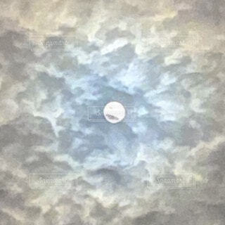 月の写真・画像素材[3751904]