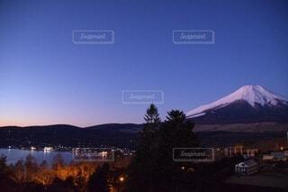 朝焼けの富士の写真・画像素材[3751717]