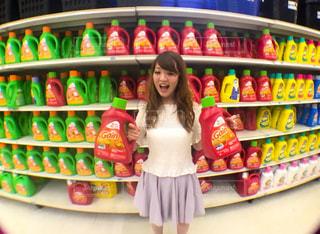 店の棚で洗剤 - No.712069
