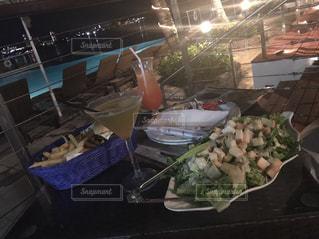 食品の完全なテーブルの写真・画像素材[808105]