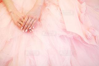 ピンクのドレスの人の写真・画像素材[1442992]