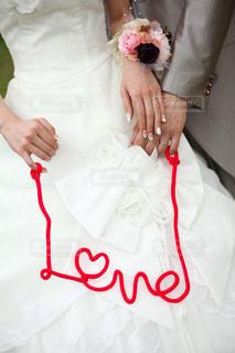 白いドレスを着た人の写真・画像素材[1595829]
