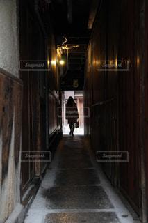 狭い通りの写真・画像素材[1669499]