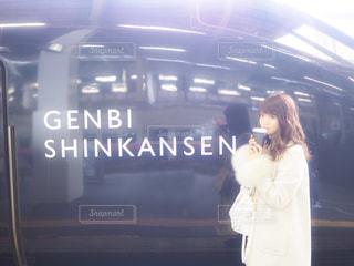 駅に立っている人の写真・画像素材[1671484]