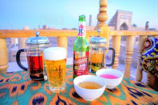 テーブルの上のコーヒー カップ - No.929842