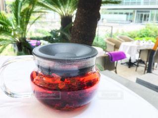 テーブルの上のコーヒー カップ - No.930532