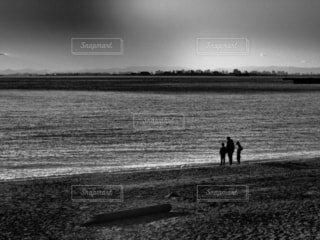 コロナ禍の海岸での写真・画像素材[4040005]
