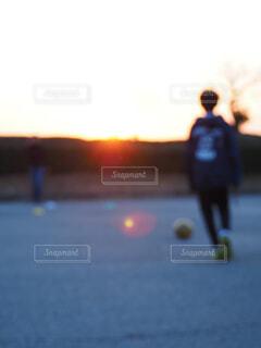 サッカーシュート練習の写真・画像素材[4375513]