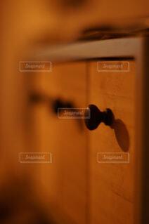時計。鍵。携帯。アクセサリー。しまう棚の写真・画像素材[4397420]