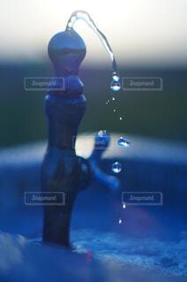 水飲み場にある情景の写真・画像素材[4533037]