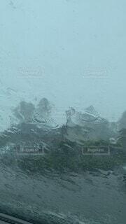 自然,雨,屋外,車内,水面,雷,天気,動けない,台風,ゲリラ豪雨,竜巻,ニュース,落雷,集中豪雨,天気予報,呆然,洗車機,ウェザー,夏天気,ウェザーニュース