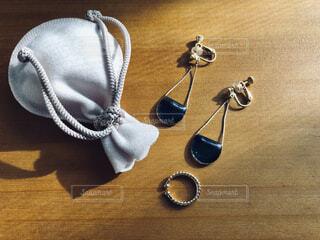 イヤリングとリング。の写真・画像素材[3924212]