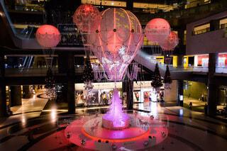 屋内,大阪,気球,クリスマス,装飾,グランフロント,熱気球,クリスマスイルミネーション,グランフロント大阪,クリスマス ツリー,Grand Wish Christmas 2020,屋内イルミネーション