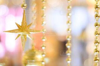 屋内,大阪,イルミネーション,クリスマス,照明,装飾,明るい,グランフロント,ゴールド,グランフロントクリスマス,屋内イルミネーション