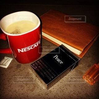 夜,コーヒー,タバコ,マグカップ,食器,カップ,PEACE,文庫本,コーヒー カップ