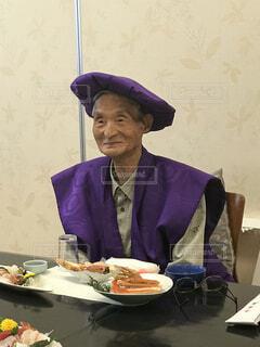 90歳卒寿のお祝いで楽しい時間を親族一同と。の写真・画像素材[3858765]