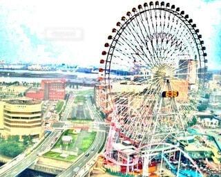 観覧車と都会の風景の写真・画像素材[3980521]