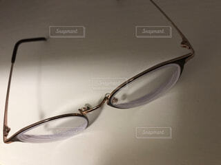 大人女子のオシャレな眼鏡の写真・画像素材[3814969]