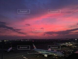 羽田空港の夕焼けの写真・画像素材[3815810]