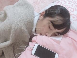 寝ちゃった。の写真・画像素材[3813949]