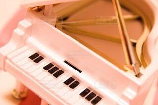 記念日のピアノのオルゴールの写真・画像素材[3820992]