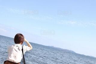 海の向こうには何があるのかなの写真・画像素材[3824822]