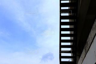 背の高い建物の写真・画像素材[1115372]