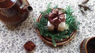 お茶とプレゼントの写真・画像素材[3931748]