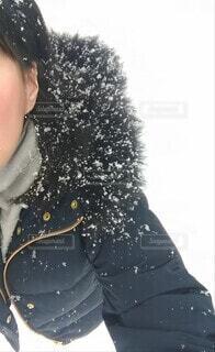 雪の中で自撮りの写真・画像素材[4013987]