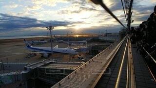 海,空,朝日,雲,飛行機,空港,正月,お正月,日の出,新年,初日の出,羽田空港