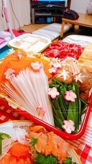 食卓の上の食べ物の写真・画像素材[3940957]