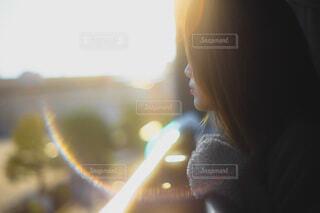 20代女性のクローズアップの写真・画像素材[3948108]