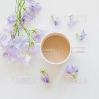 花とお茶で癒しの時間の写真・画像素材[3844280]