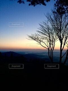 山 日の出 空の写真・画像素材[3978346]
