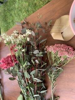 フラワーアレンジメントの花の写真・画像素材[3929023]